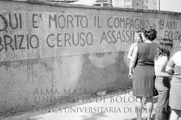 1974: San Basilio il giorno dopo l'uccisione di Fabrizio Ceruso. Roma, 9.9.1974