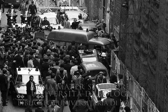 1978: Ritrovamento del corpo di Aldo Moro in via Caetani. Roma, 9.5.1978